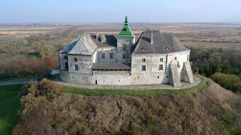 Олесский замок на Украине
